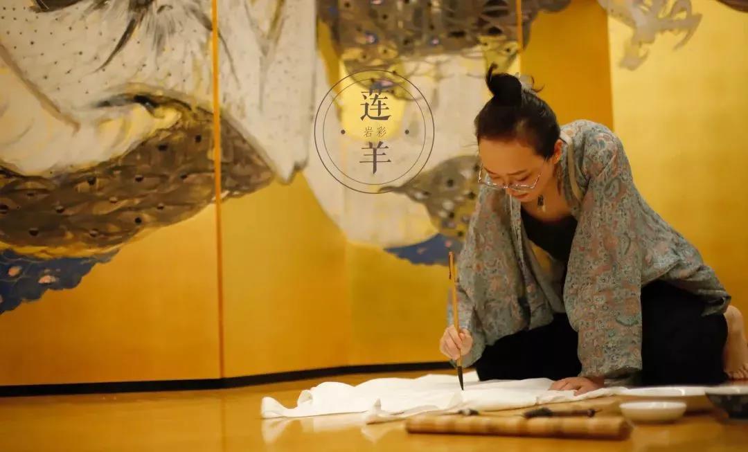 """""""造龙""""之后,她以金银作画,复兴中国古老艺术"""